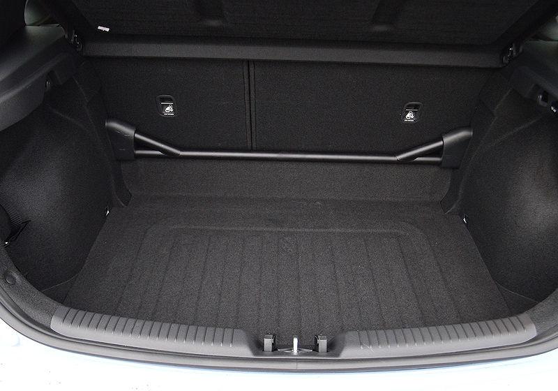hyundai strebe stabilisator hinten inkl einbau f r den i30n. Black Bedroom Furniture Sets. Home Design Ideas